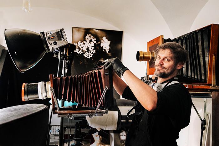 honza-sakar-with-large-format-cameras-